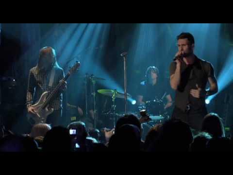 Maroon 5 Makes Me Wonder (Live)
