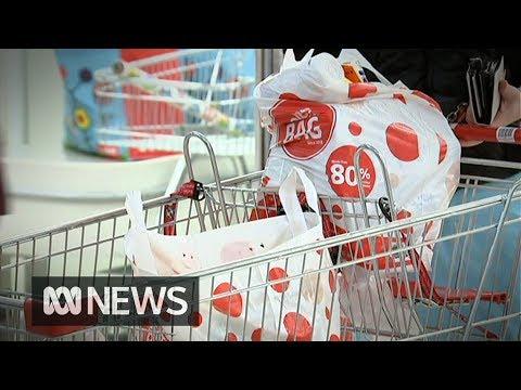 Supermarket giant backflips on plastic bag ban