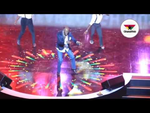 Highlife legend Charles Amoah performs at 2017 VGMA