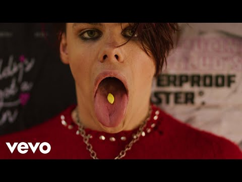YUNGBLUD - Parents (Official Music Video)
