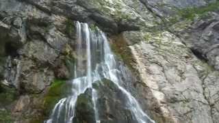 Горная река и водопад. Отдых в Абхазии(Хотите узнать тайну водопада ? смотрите и подписывайтесь на канал чтобы посмотреть и другие видео. смотрит..., 2013-11-12T17:13:17.000Z)