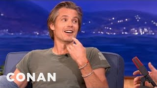 """Video Timothy Olyphant's """"Justified"""" Character Is Getting A Lisp - CONAN on TBS download MP3, 3GP, MP4, WEBM, AVI, FLV Agustus 2017"""