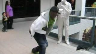 MrSupraFresh dancing at da mall