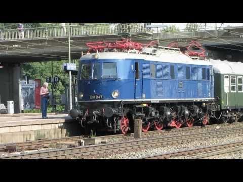 Sonderzug mit historischer E-Lok BR E18 047 verlässt Mainz - Bischofsheim