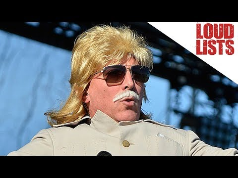 10 Weirdest Maynard James Keenan Onstage Outfits