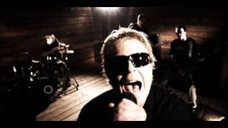 Смотреть клип The Offspring - Stuff Is Messed Up