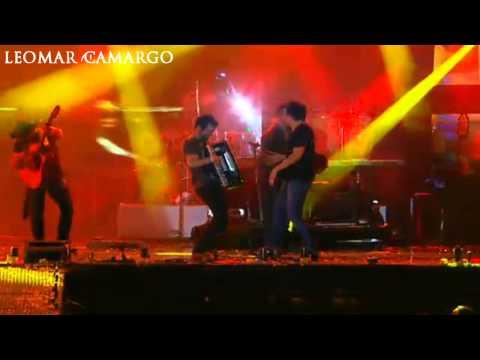 Fernando e Sorocaba - É Tenso FIM DO SHOW (AO VIVO NO CALDAS COUNTRY 2012)