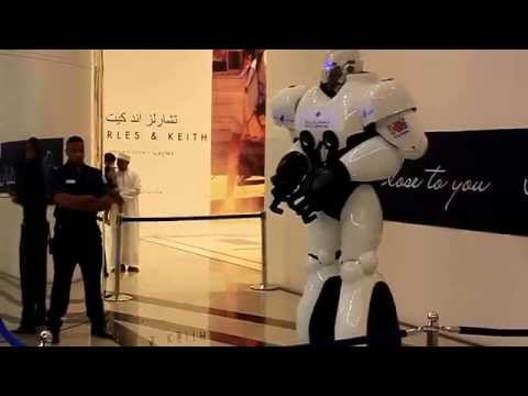 MAXX the Robot Dancing at Muscat Grand Mall