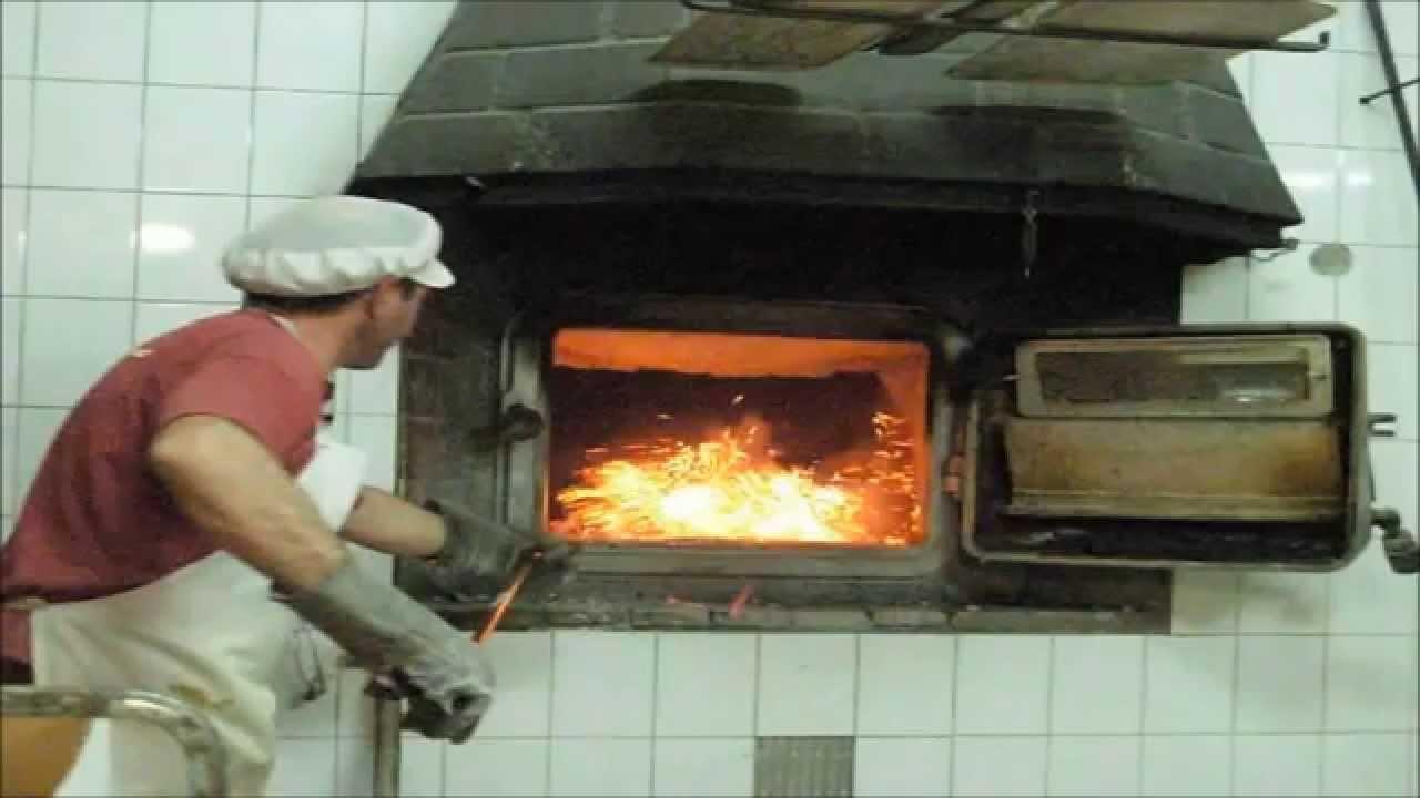 Vaciando un horno de le a tipo moruno molino del villar - Fotos hornos de lena ...