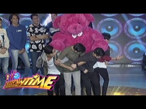 It's Showtime Cash-Ya: Team Vice carries a big teddy bear