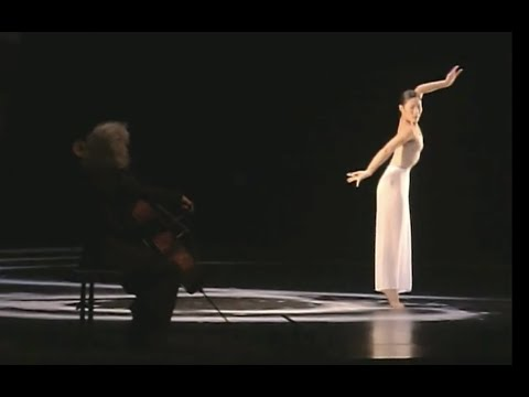 """BACH - Sarabande No 1 in G major from the """"Moon Water"""" ballet by Cloud Gate Dance Theatre, Taipei"""