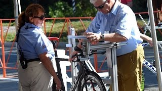 Видео урок: проверка шоссейных велосипедов комиссарами в соответствии со стандартами UCI