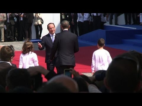 Hollande greets heads of state for D-Day commemoration