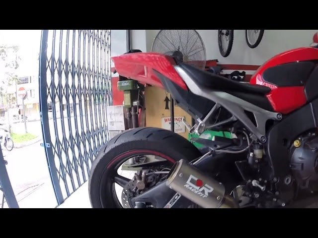 RACEFIT TITANIUM exhaust song from CBR1000RR