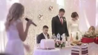 Сестра поздравляет брата с днём свадьбы