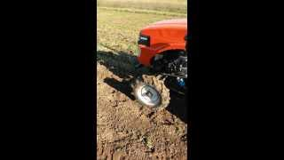 Картофелекопалка 4U 1(Картофелекопалка 4U-1., 2013-12-09T20:27:49.000Z)