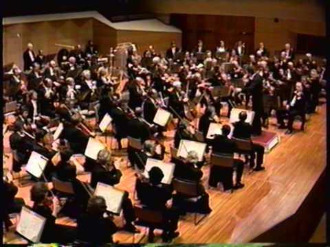 Shostakovich: Symphony No. 5 in D minor, I. Moderato, Conductor: Mariss Jansons
