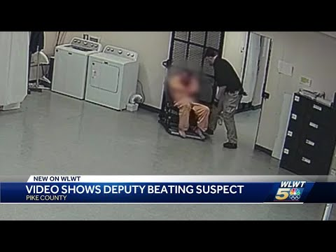 Video shows deputy beating suspect in Pike County