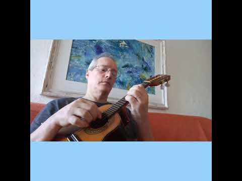 """""""Romance de Amor"""" cavaquinho curtindo uma de violão... Tema do filme """"Brinquedo Proibido""""."""