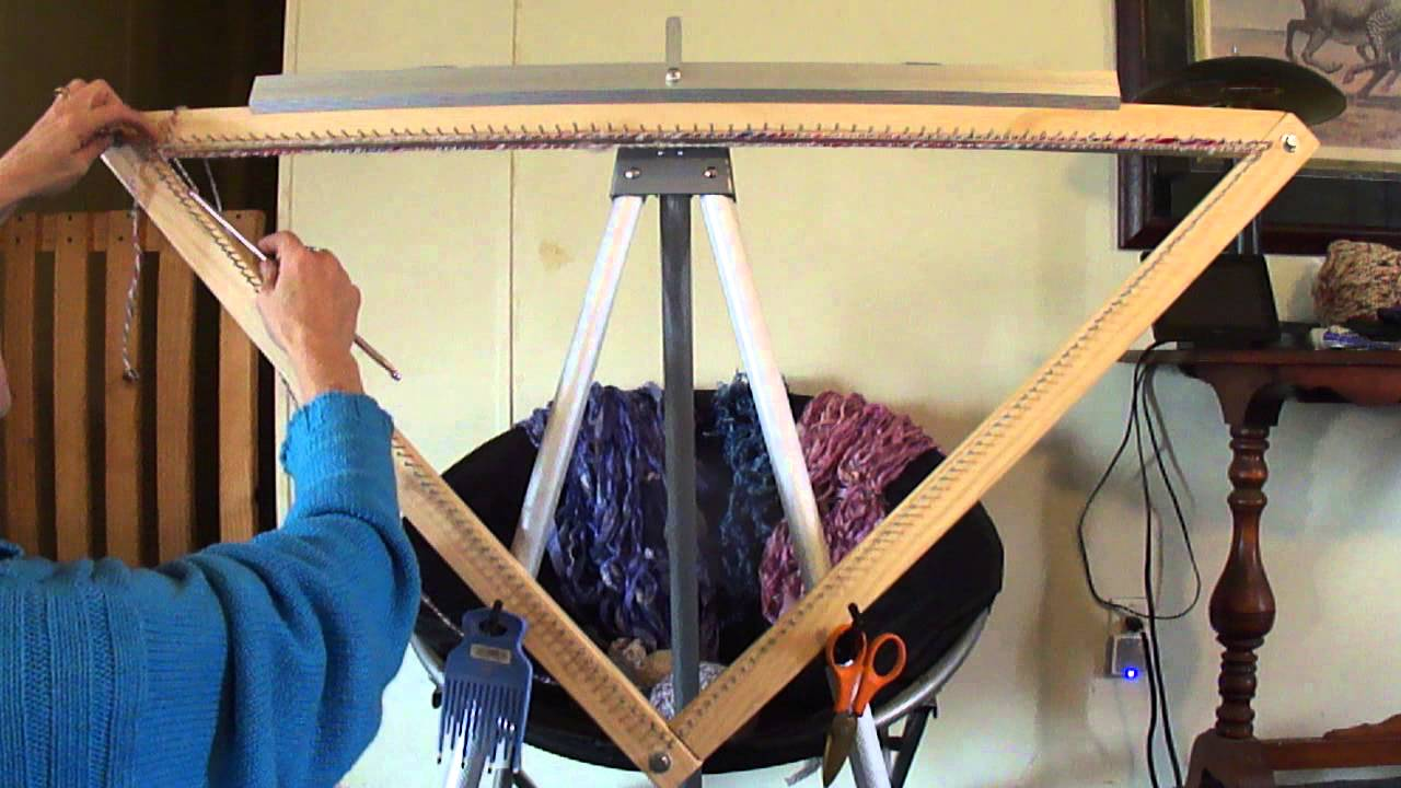Triangle Weaving Clothes