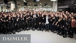Dieter Zetsche begrüßt die neuen Auszubildenden in Sindelfingen