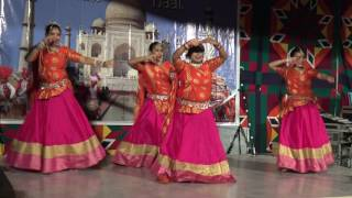 Beautiful Indian Dance Performance at Tollwood Festival 2016