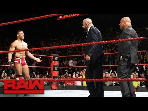 Thumbnail: Triple H returns to join Team Raw at Survivor Series: Raw, Nov. 13, 2017