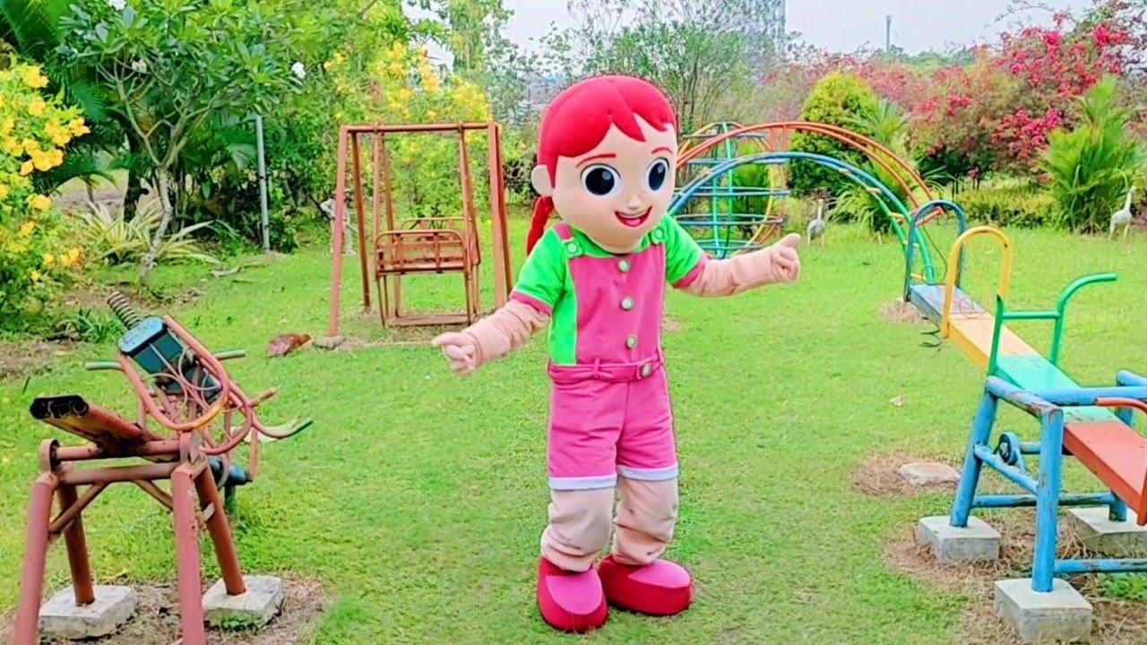 Badut TikTok Di Taman Mascot Dance Tik Tok Badut Karakter Jill Joget Badut Lucu