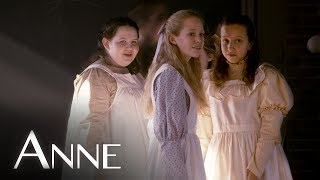 The Costumes of Anne | Behind the Scenes