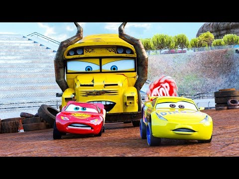 Incredible Action Lightning McQueen @ Thunder Hollow Speedway Race Derby Miss Fritter Racers 🚥 🏎