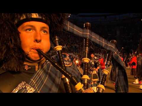 The Massed Pipes & Drums - Edinburgh Military Tattoo 2015 Performance
