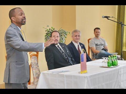 Steve Lindsey diplomata előadása Szombathelyen (részlet)
