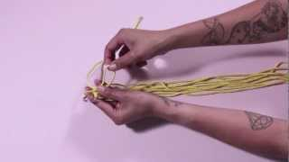 To Diy For - How To Make A Macramé Pot Holder