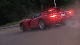 MUSCLE CARS Leaving a Car Meet in Style! (BURNOUTS, SIDEWAYS, LOUD SOUNDS)