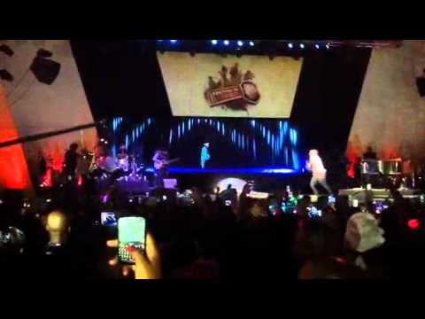 Brenda Fassie hologram with Bongani Live.