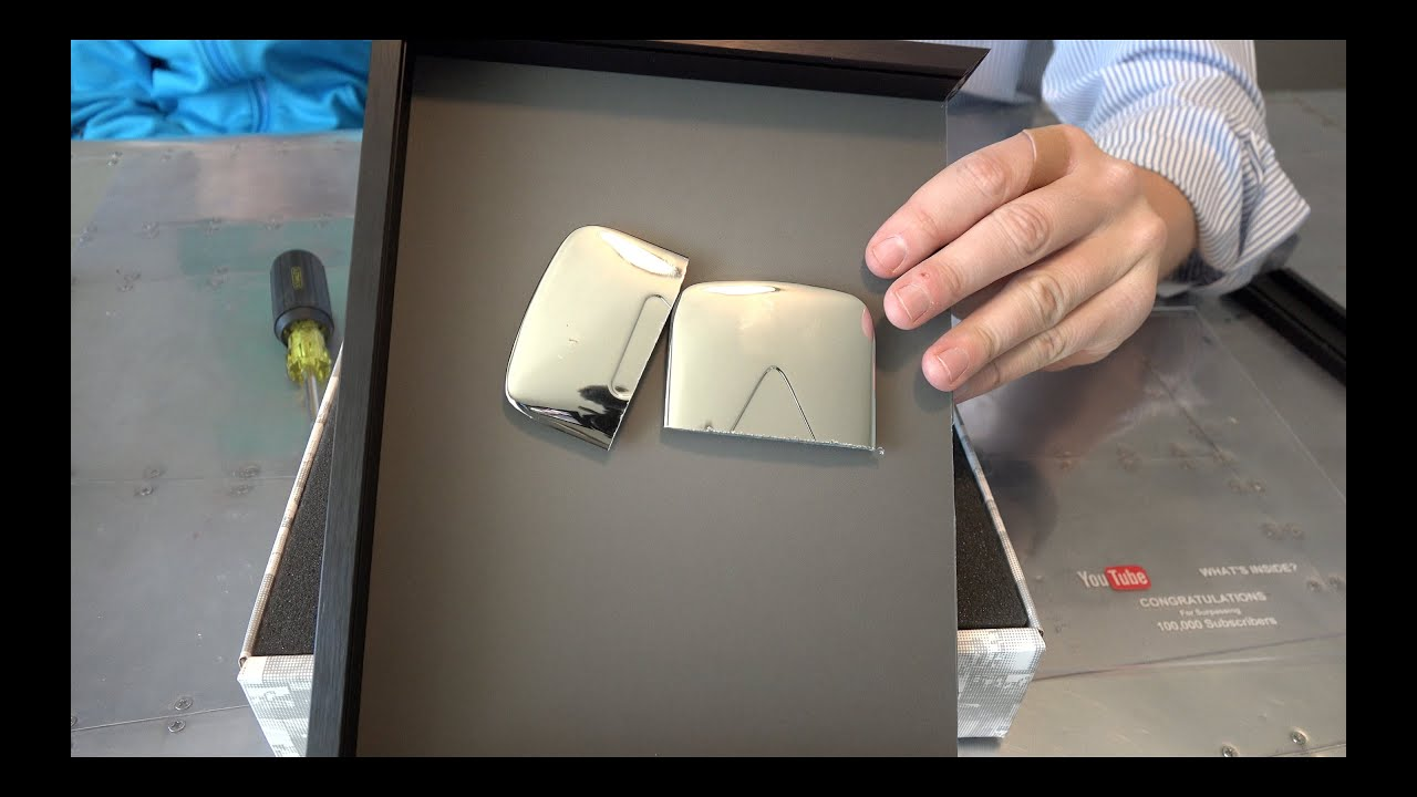 play button Youtube