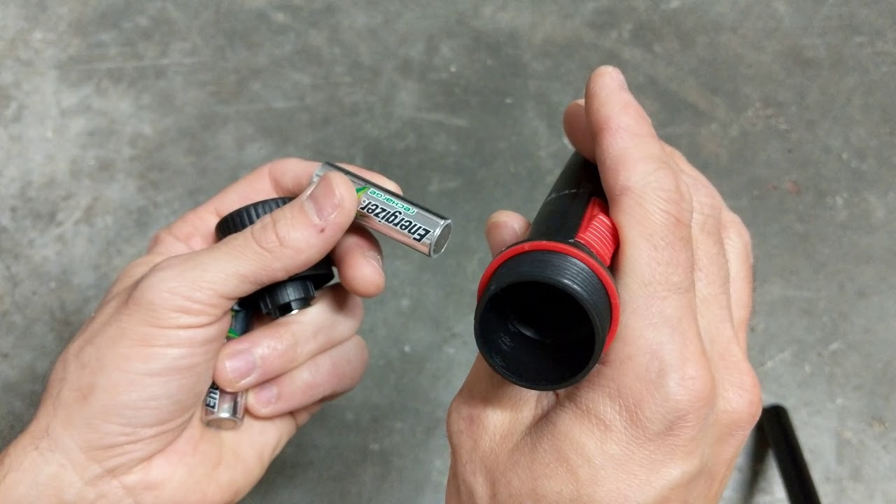 how to test flashlight batteries