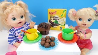 СЛАДКОЕ ЧАЕПИТИЕ Шоколадные Бананы Конфеты и Мафины Куклы Пупсики Кушают Играем КAK MAMA