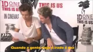 Harry Styles and Niall Horan singing in portuguese