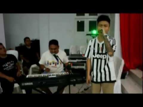 Zwingly Tanauma Feat Okta Rambi (Ocang) - Satu Hati Tiga Cinta