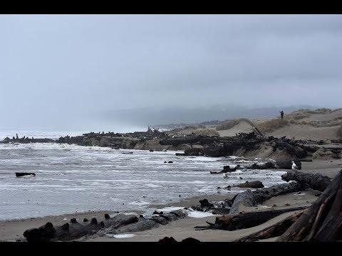 Storm Footage Florence, Oregon. Siuslaw River Jetty Area 18JAN18 USCGAUX