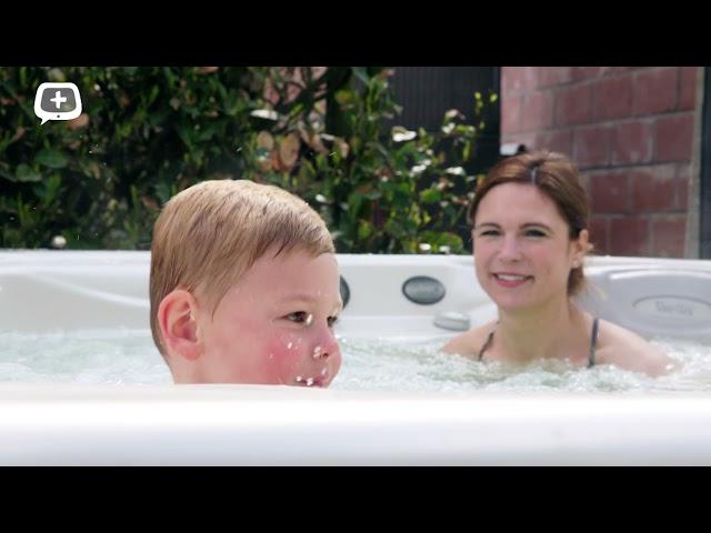 Lekker ontspannen en bubbelen met een Wellis spa.