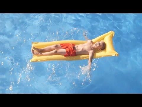 Dàmaris Gelabert - Anem a la piscina  (Videoclip oficial)