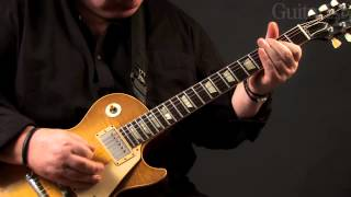 Bernie Marsden plays