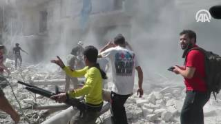 Rus jetleri Halep'i bombaladı