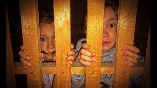 Маргарита и Ксюша одни в холодном подвале /КТО-ТО ПРИШЕЛ/ СТРАШНО НАПУГАНЫ / Для детей KIDS Children