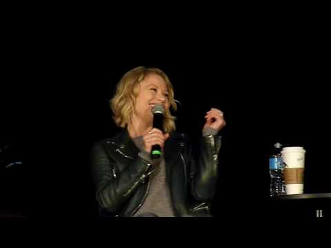 Sean Maguire and Emilie de Ravin Gold panel Toronto OUAT 2017