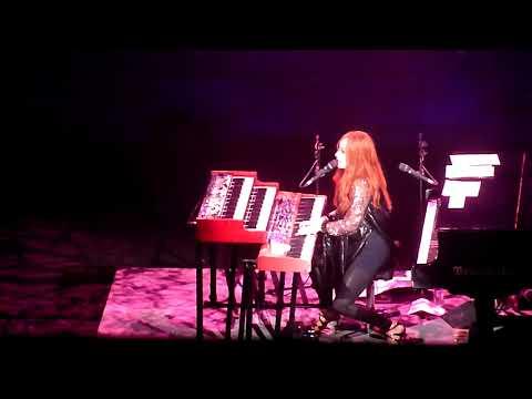 Tori Amos - Girl (Dec 1, 2017)