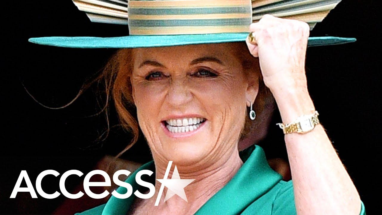 Sarah Ferguson Has A Total Blast Riding Her 'Scooter Suitcase' Around Beijing Airport