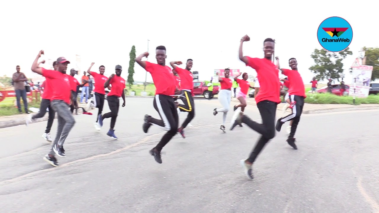 2018 World Cup: Coca Cola organises a flash mob with theme song ...